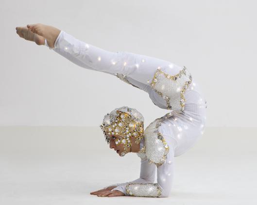Crystal-and-Light-contortion-Divine-Com