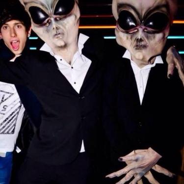 walkabout aliens candi
