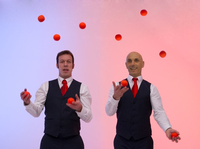 MAVERICK JUGGLING DUO 3