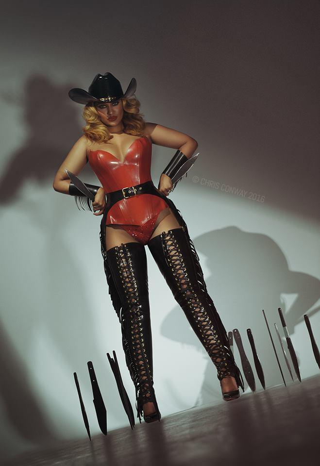 Western cabaret act
