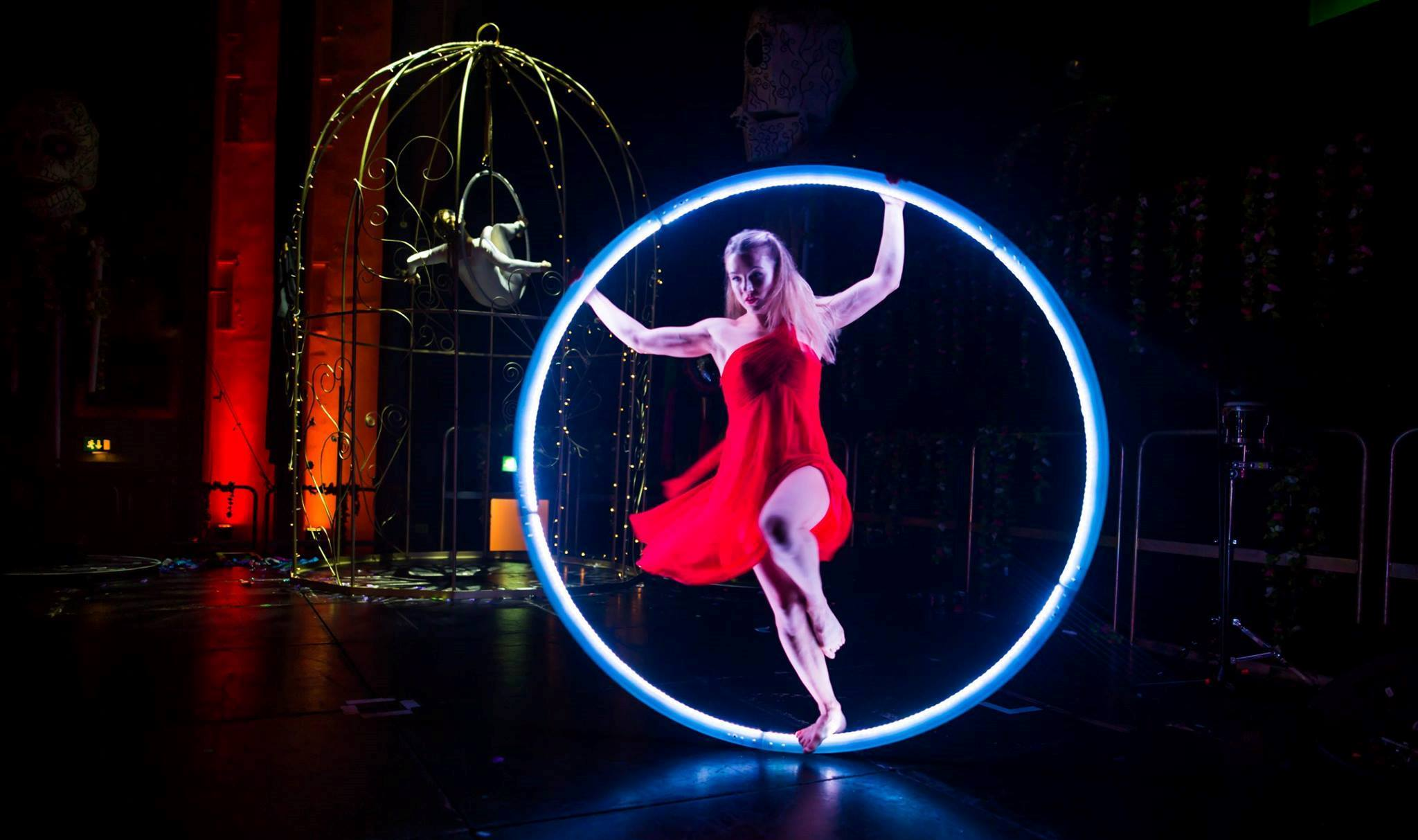 LED cyr wheel act