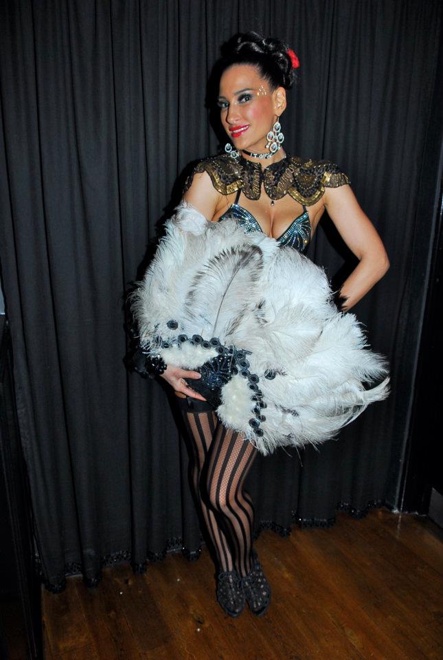 hostess glam