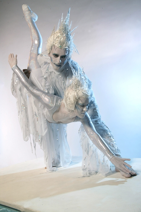 Acro balance style human statues