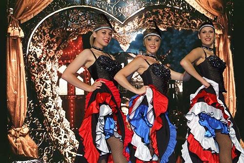 Vegas girls dancing